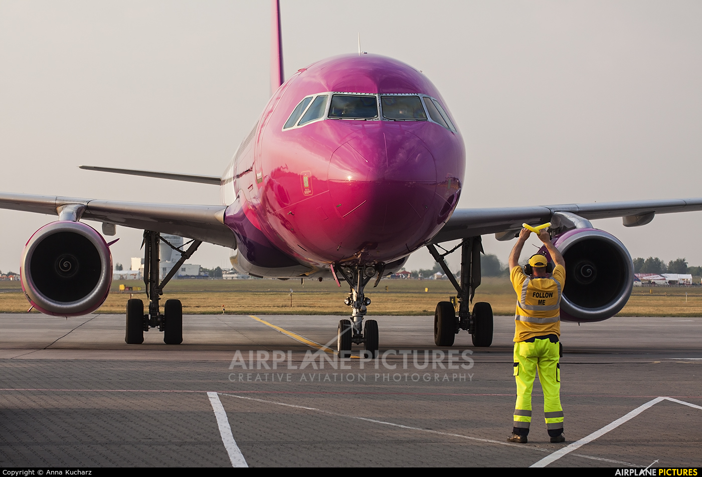 Wizz Air HA-LPN aircraft at Poznań - Ławica