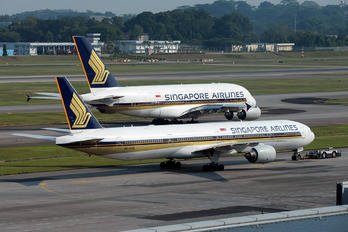 9V-SYG - Singapore Airlines Boeing 777-300