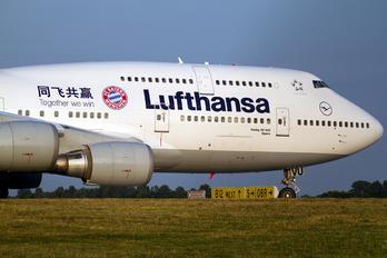 D-ABVU - Lufthansa Boeing 747-400