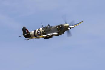 G-PMNF - Private Supermarine Spitfire HF.IX