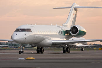 S5-ZFL - Elit Avia Bombardier BD-700 Global 6000