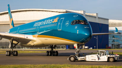 F-WZFL - Vietnam Airlines Airbus A350-900