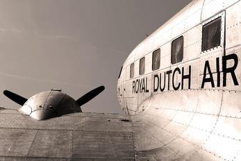 NC39165 - Private Douglas DC-2