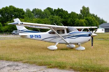 SP-TKO - Private Cessna 182T Skylane