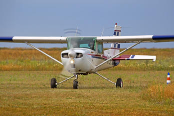 UR-URS - Private Cessna 150