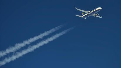 EI-EFO - Ryanair Boeing 737-800
