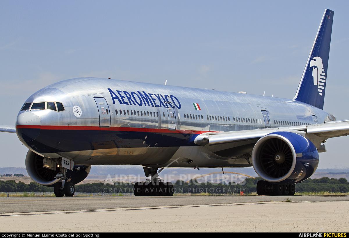 Aeromexico N745AM aircraft at Madrid - Barajas