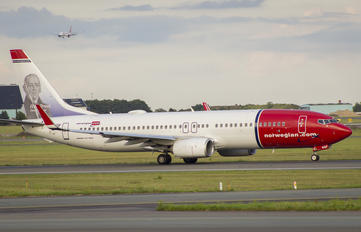 LN-NGF - Norwegian Air Shuttle Boeing 737-800