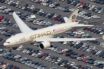 A6-LRD - Etihad Airways Boeing 777-200LR