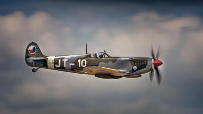 N633VS - Private Supermarine Spitfire Mk.IX