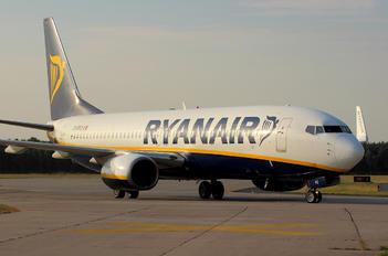 EI-DPZ - Ryanair Boeing 737-800