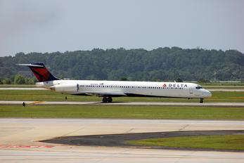N927DA - Delta Air Lines McDonnell Douglas MD-88