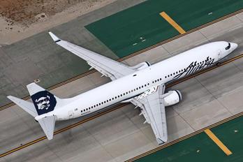 N320AS - Alaska Airlines Boeing 737-900