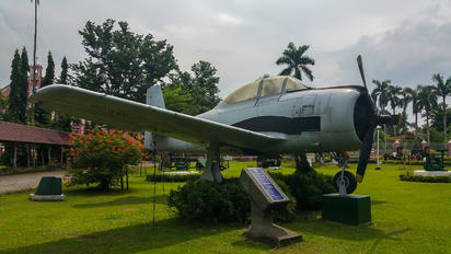 612 - Philippines - Air force North American AT-28D Trojan