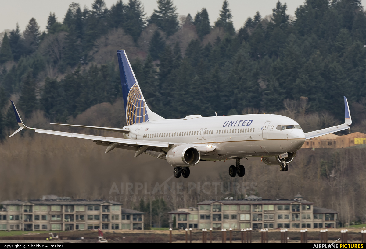 N34282 - United Airlines Boeing 737-800 at Portland   Photo ID