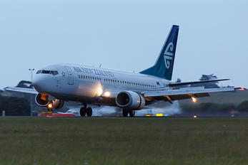 ZK-NGO - Air New Zealand Boeing 737-300