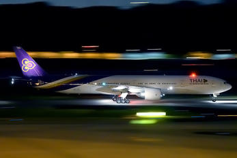 HS-TKR - Thai Airways Boeing 777-300ER