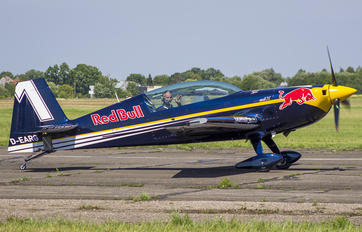 D-EARG - Red Bull Extra EA-300LX