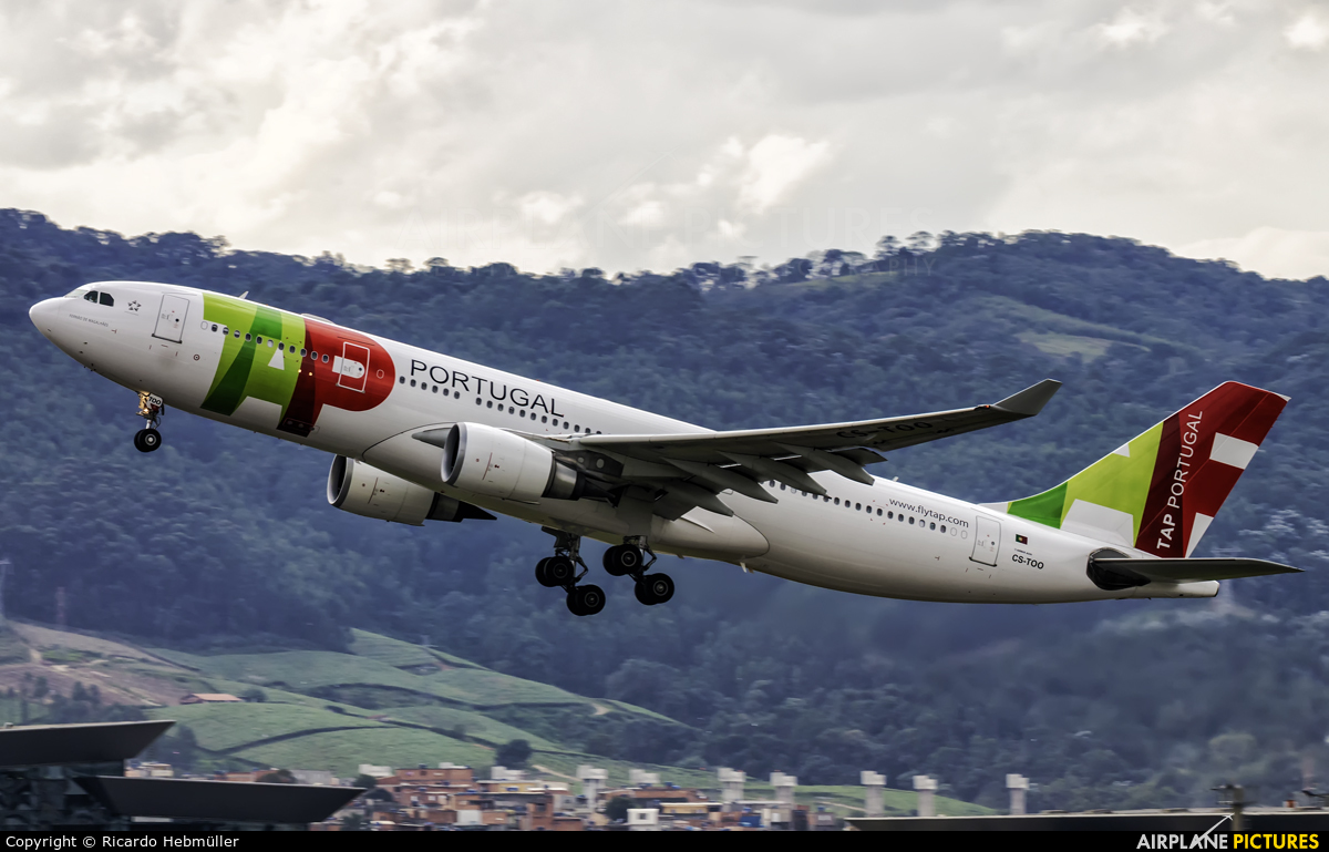 TAP Portugal CS-TOO aircraft at São Paulo - Guarulhos
