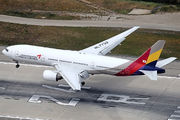HL7732 - Asiana Airlines Boeing 777-200ER aircraft
