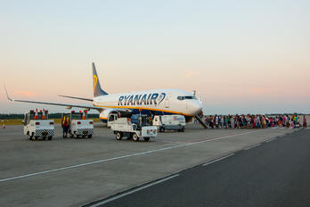 EI-EPE - Ryanair Boeing 737-800