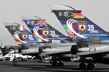 MM7037 - Italy - Air Force Panavia Tornado - IDS