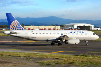N426UA - United Airlines Airbus A320