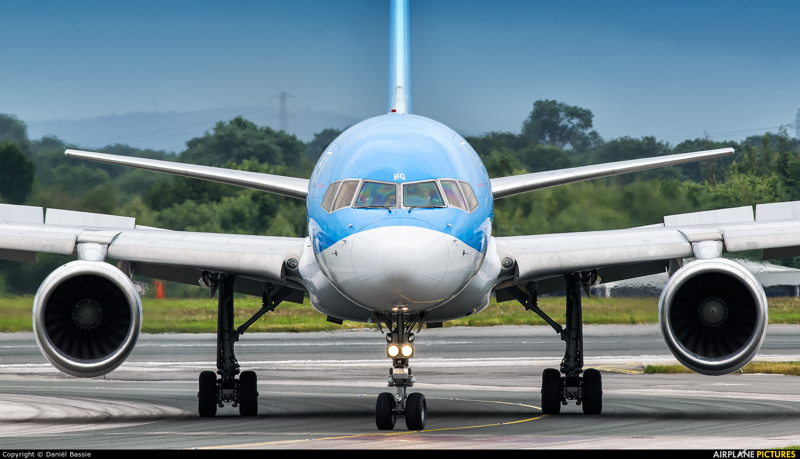 Thomson/Thomsonfly G-OOBG aircraft at Manchester