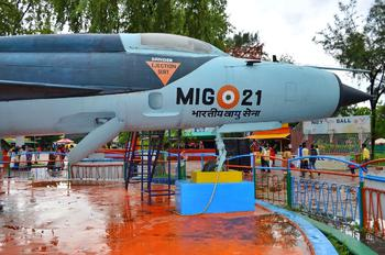 - - India - Air Force Mikoyan-Gurevich MiG-21PFM
