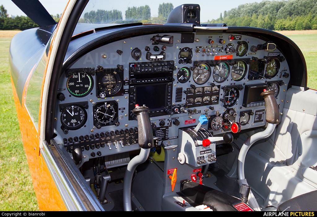 Private D-EMVC aircraft at Montagnana