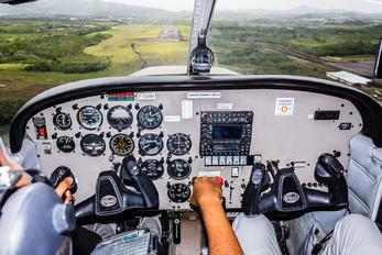 F-OIXM - Private Piper PA-28 Warrior