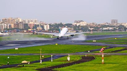 VABB - - Airport Overview - Airport Overview - Aircraft detail