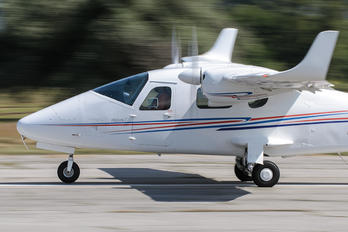 LZ-TMH - Private Tecnam P2006T