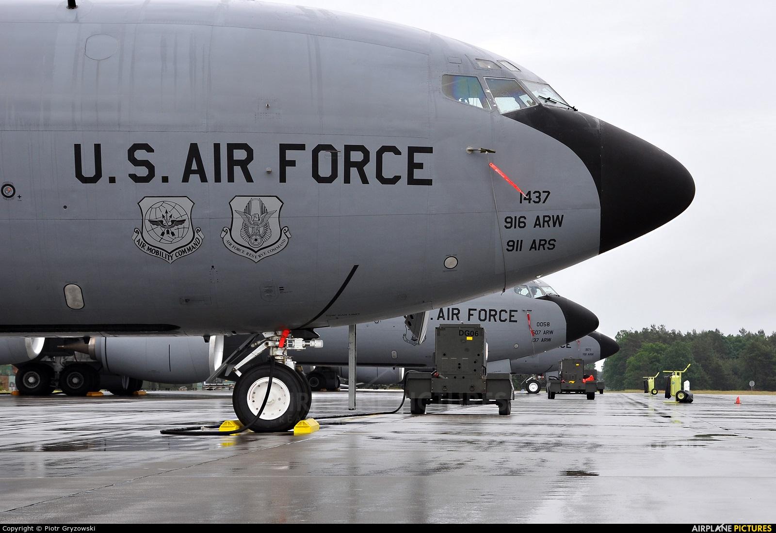 USA - Air Force AFRC 71437 aircraft at Powidz