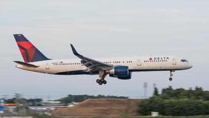 N536US - Delta Air Lines Boeing 757-200
