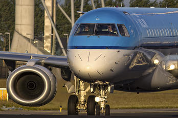 PH-EXC - KLM Cityhopper Embraer ERJ-190 (190-100)