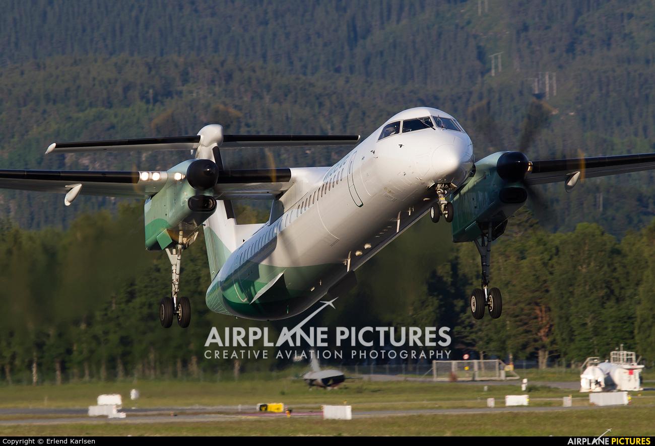 Widerøe LN-RDV aircraft at Trondheim - Vaernes