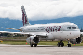 A7-AHW - Qatar Airways Airbus A320