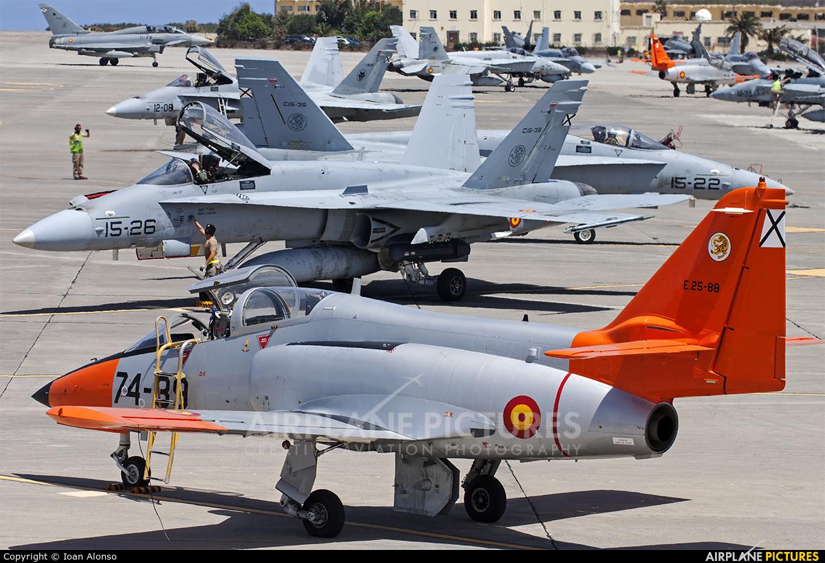 Spain - Army E.25-88 aircraft at Las Palmas de Gran Canaria