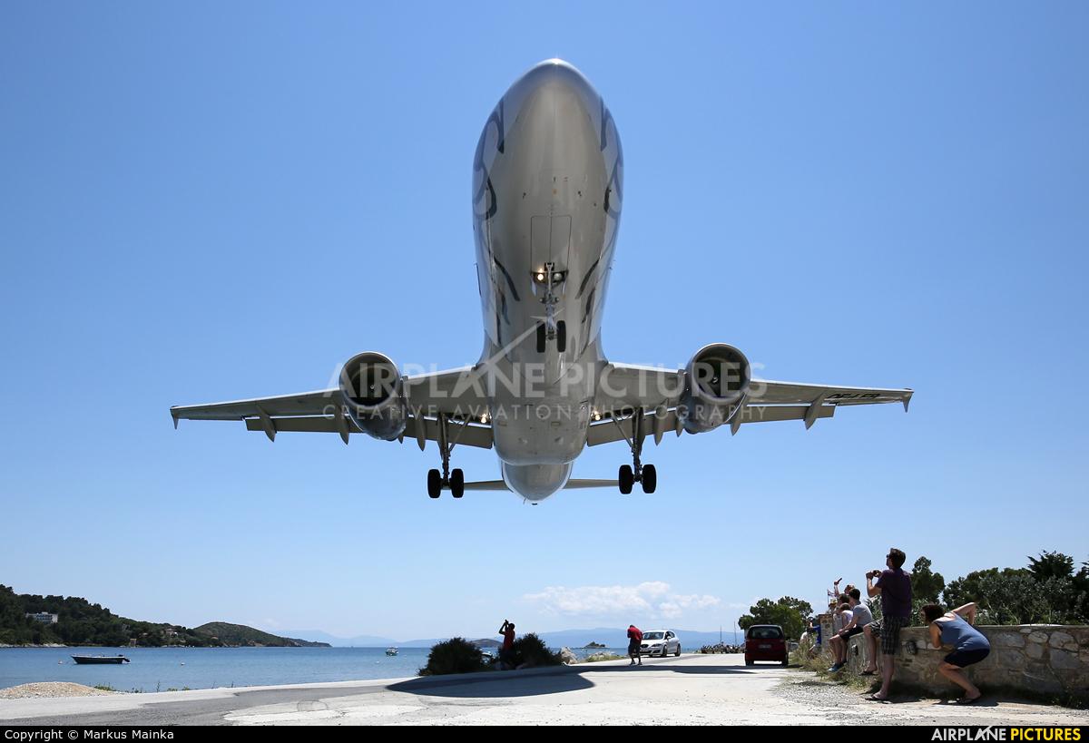 Niki OE-LEB aircraft at Skiathos