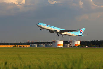 HL8026 - Korean Air Airbus A330-300