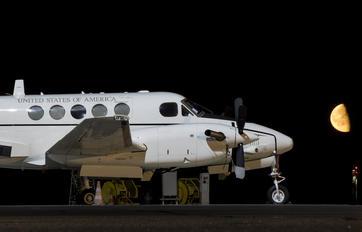 40157 - USA - Army Beechcraft C-12D Huron