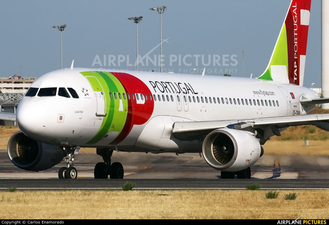 TAP Portugal CS-TMW aircraft at Lisbon