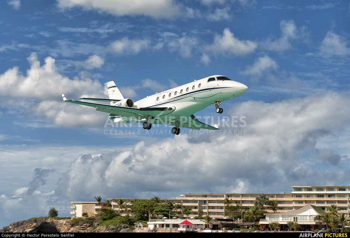 Private N137WB aircraft at Sint Maarten - Princess Juliana Intl