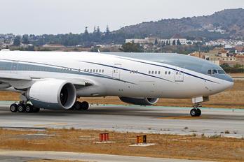 VP-CAL - Montkaj Boeing 777-200LR