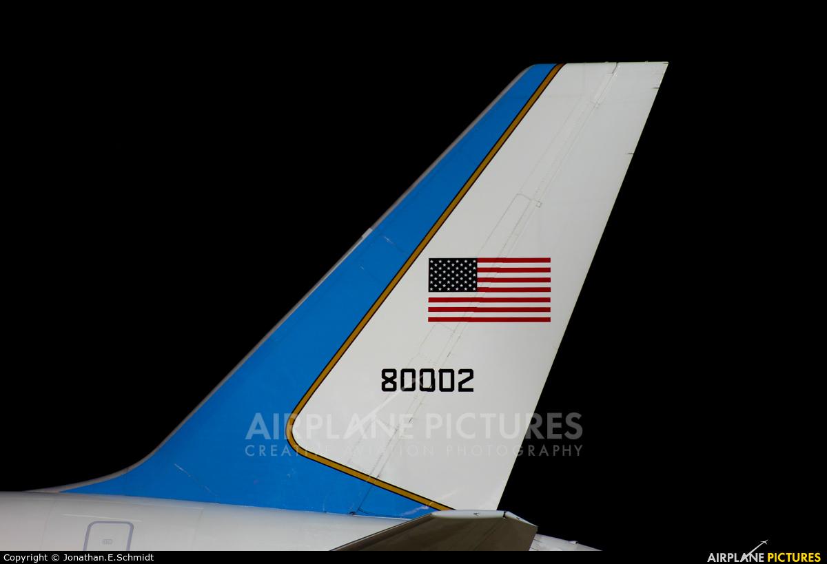 USA - Air Force 98-0002 aircraft at Vienna - Schwechat