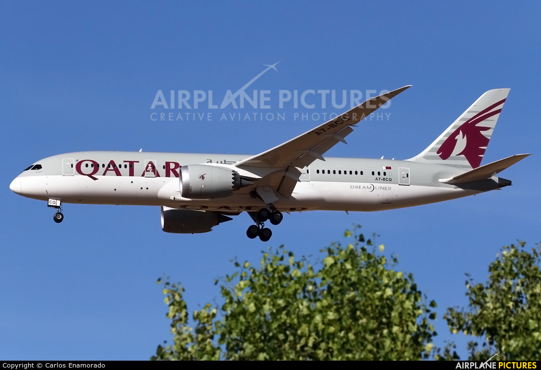 A7 bcq qatar airways boeing 787 8 dreamliner at madrid for Oficina qatar airways madrid