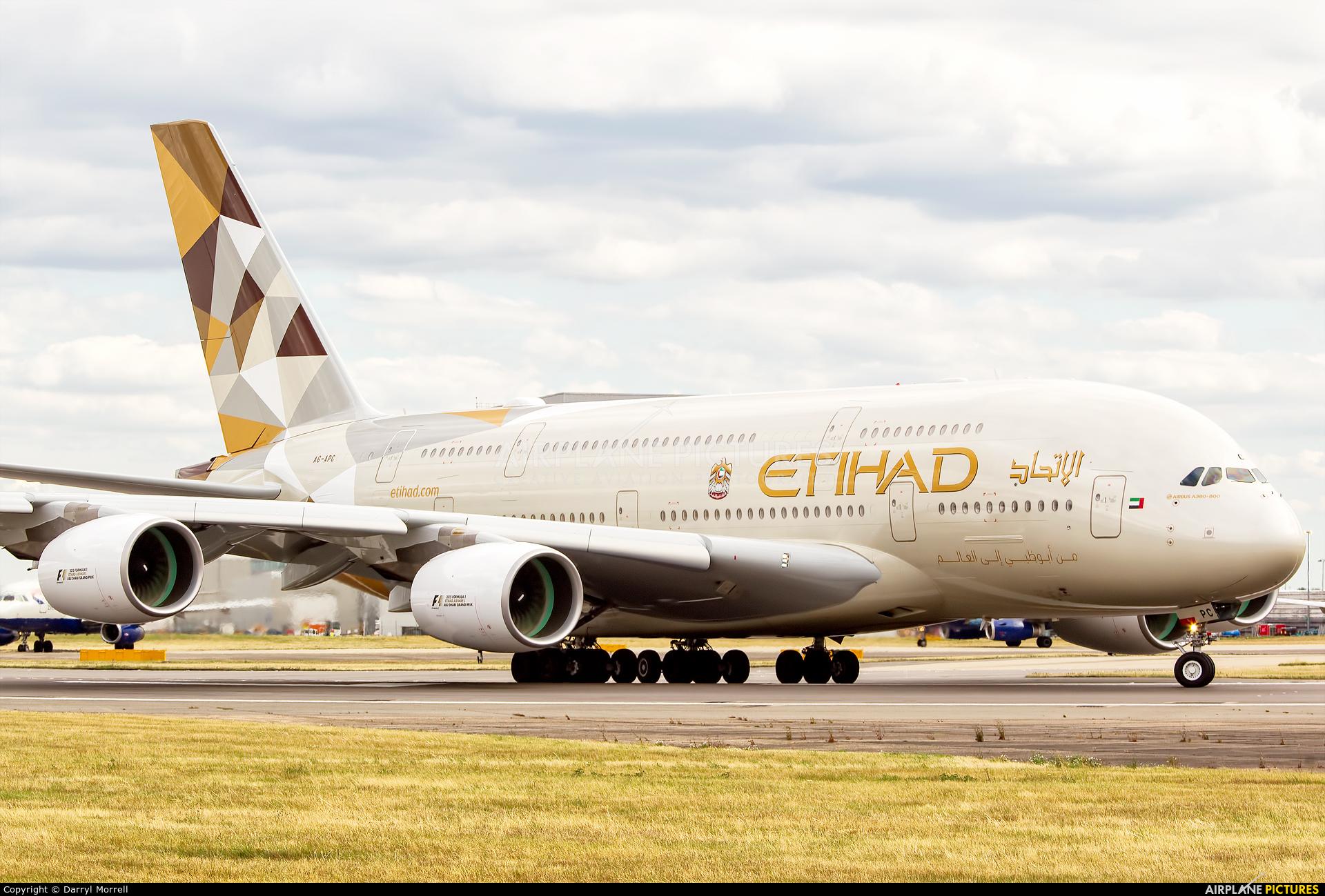 A6-APC - Etihad Airways Airbus A380 at London - Heathrow