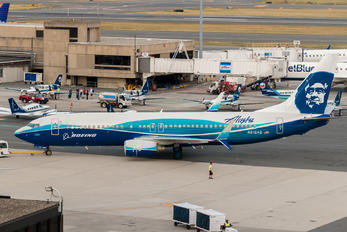 N512AS - Alaska Airlines Boeing 737-800