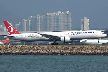 TC-LJA - Turkish Airlines Boeing 777-300ER